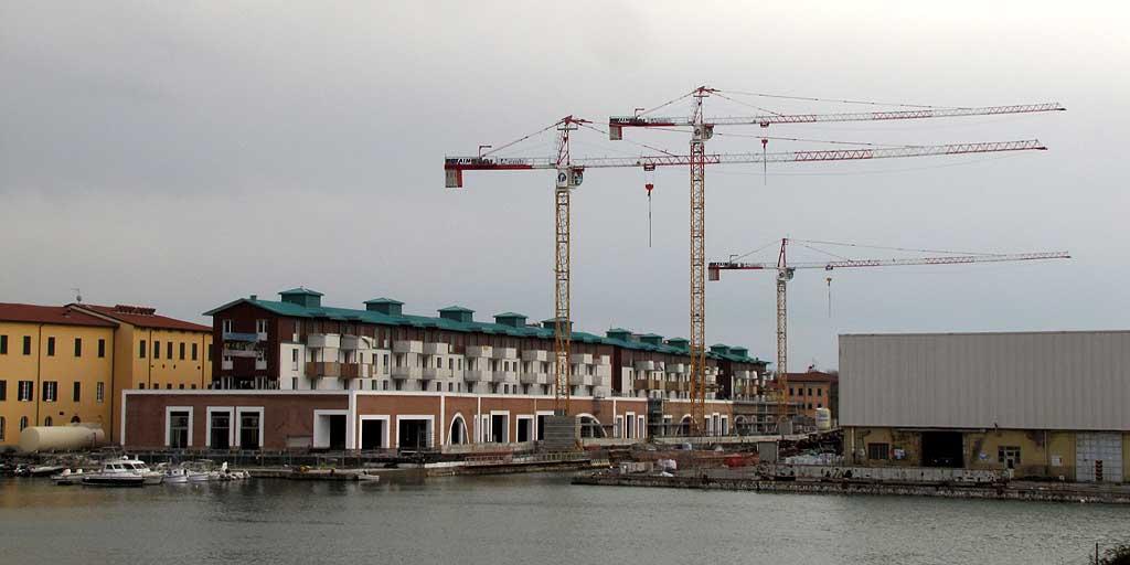 Livorno una foto al giorno gru al vento - Coop porta a mare livorno ...