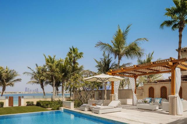 Dubai's Exclusive Five Star Beachfront Resort On Plam Island's Stunning Horizons