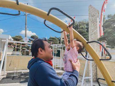 bermain di playground istana kuliner restaurant bandungan