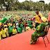 Wasanii Wanogesha Mkutano wa Kampeni ya Mgombea Urais wa Zanzibar kupitia Chama Cha Mapinduzi (CCM) Mhe. Hussein Mwinyi Viwanja vya Gando Wilaya ya Wete Pemba leo.Wanacha