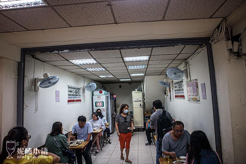 【通化夜市美食】駱記小炒。外國人也愛!臨江街夜市排隊熱炒店