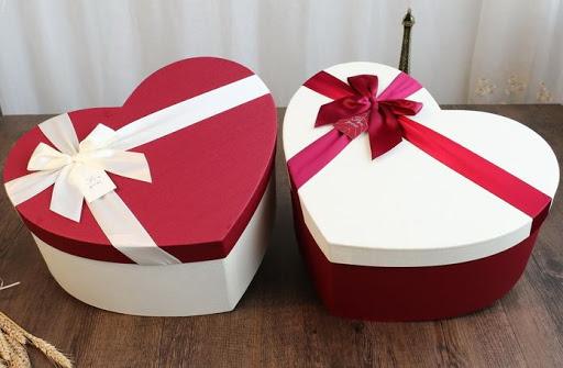 أسعار علب هدايا عيد الحب في مصر 2021