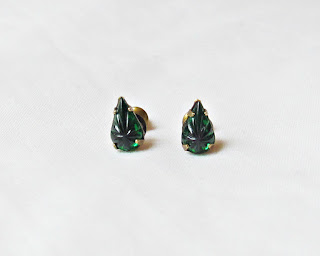 image emerald green vintage glass earrings jewellery jewelry two cheeky monkeys handmade teardrop pear carved star