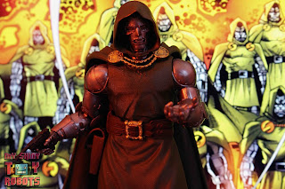 Marvel Legends Doctor Doom 27