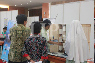 28. Soumindar Qolby dan Nalla Fathie Camella dari SMA IT Al Irsyad Al Islamiyah Puwokerto Jawa Tengah dengan Judul Karya Rancang Bangun Loker Pintar Hemat Ruang Berbasis Mikrokontroler Arduino Uno