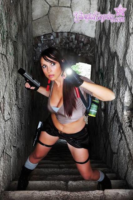 Giorgia Cosplay en un posado. Lara Croft.