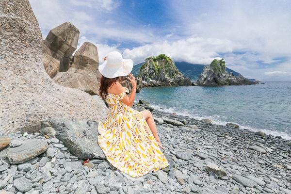 宜蘭東澳粉鳥林漁港神秘海灘賞無敵海景,湛藍天空清澈海水超療癒