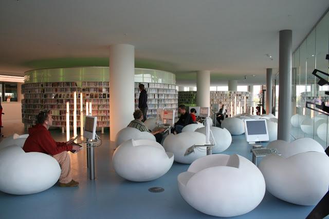 Merangkul Masyarakat Desa Dengan Minat Baca tinggi Sebagai Duta Perpustakaan
