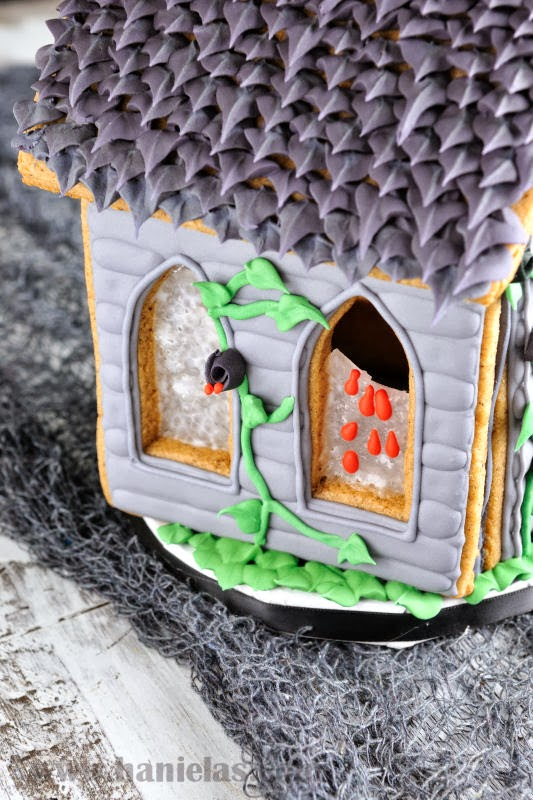 Haniela S Gingerbread Haunted House For Halloween