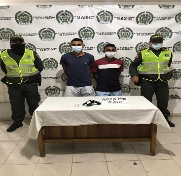 https://www.notasrosas.com/Policía Cesar los capturan por Fuga de Presos y Porte Ilegal de Armas de Fuego