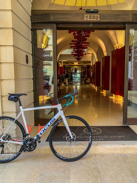 cycling salento apulia southern italy carbon road bike rental in Lecce bicycle shop