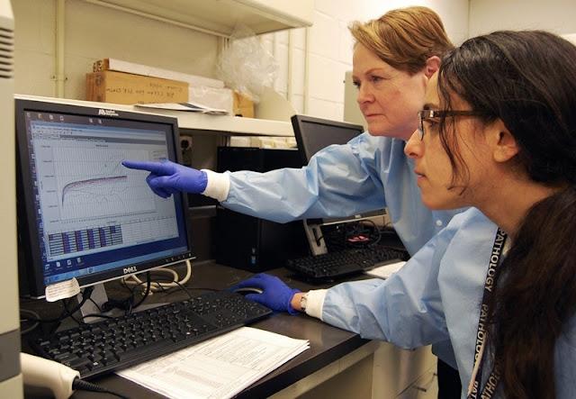 فيديو وصور.. باحثة مصرية تشارك في تطوير اختبار لتشخيص فيروس «كورونا»