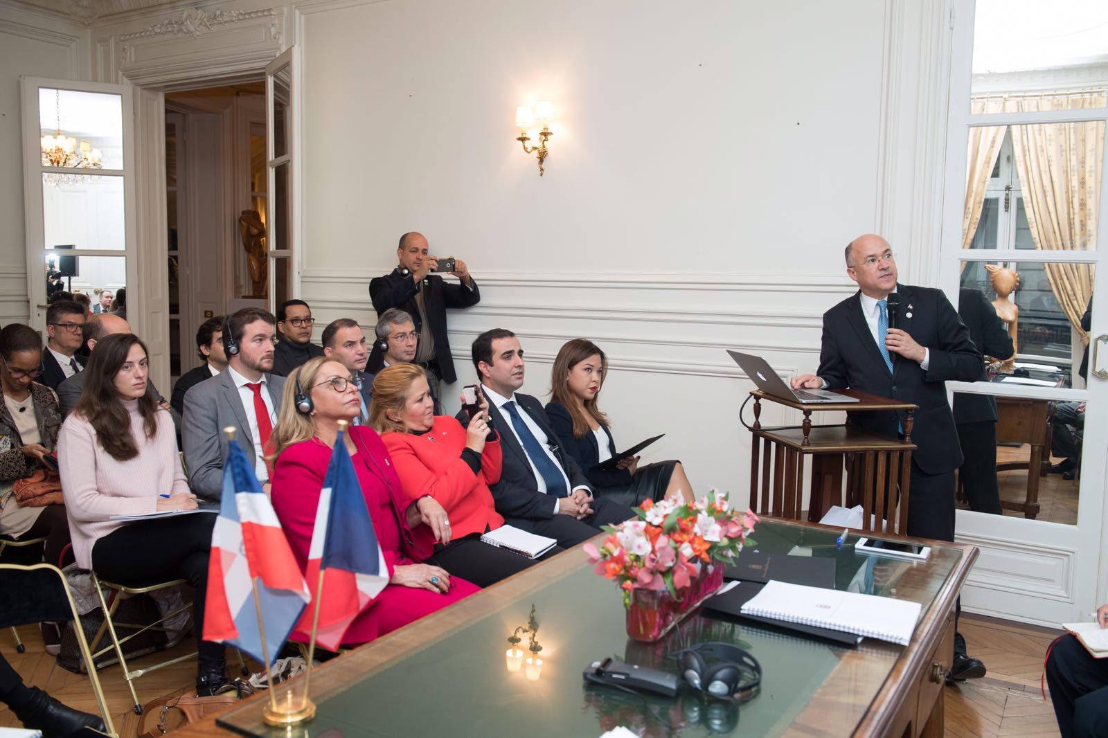 En París: Resaltan potencial de República Dominicana para desarrollo de energía renovable