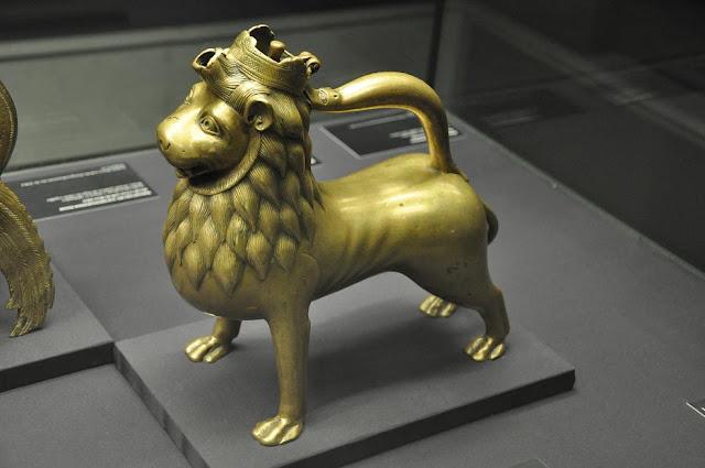 akwamanila lew