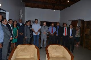 Presidente da associação dos municípios Alagoano Hugo Wanderley, recepcionou a chegada do presidente da Adalagoas em sua casa.
