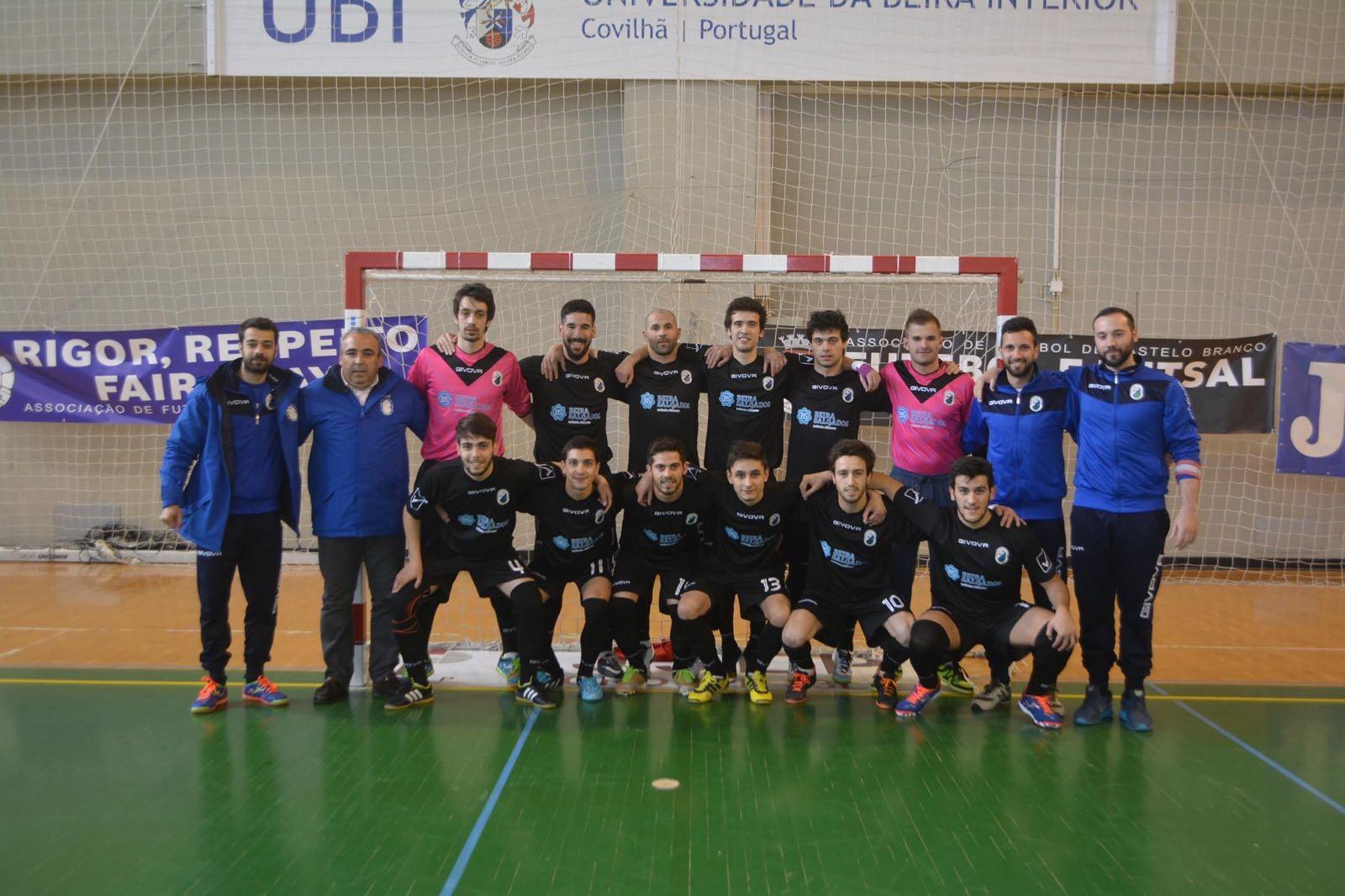 Campeões Distritais Séniores Futsal Masculino 2015 2016 d576843005acc
