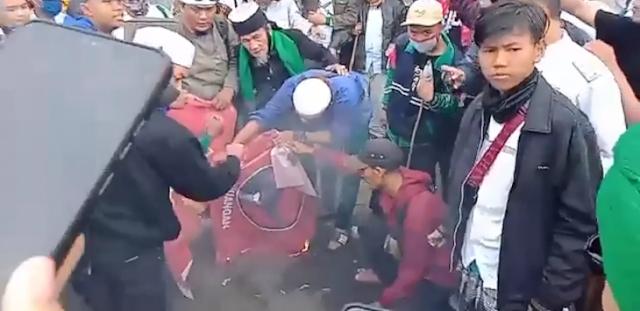 Pembakaran Bendera PDIP Dilaporkan ke Polisi, Urusan Disebut Bakal Panjang, Padahal di Luar Kontrol