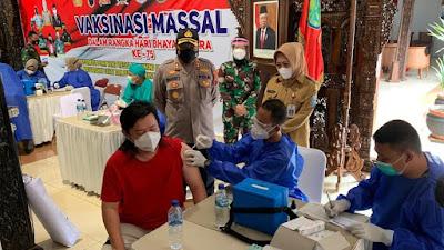 Bupati Purbalingga Berikan Apresiasi Vaksinasi Massal Dalam Rangka Hari Bhayangkara Ke-75