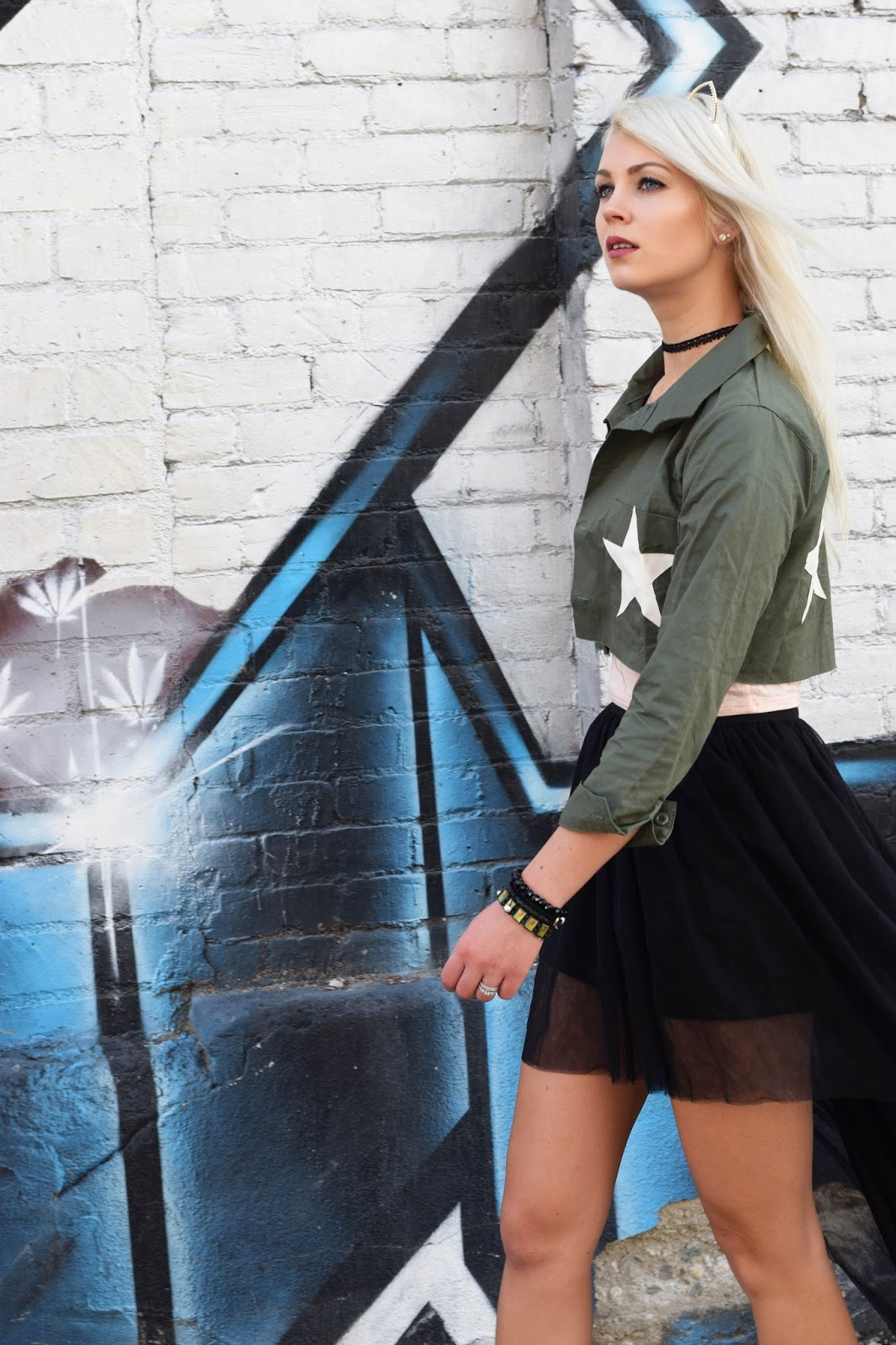 crop top, tulle skirt, german blondy