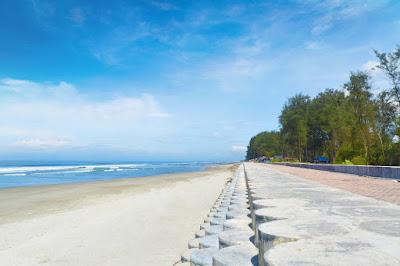 Jogging track Pantai Panjang merupakan salah satu fasilitas yang ada di Pantai panjang Bengkulu