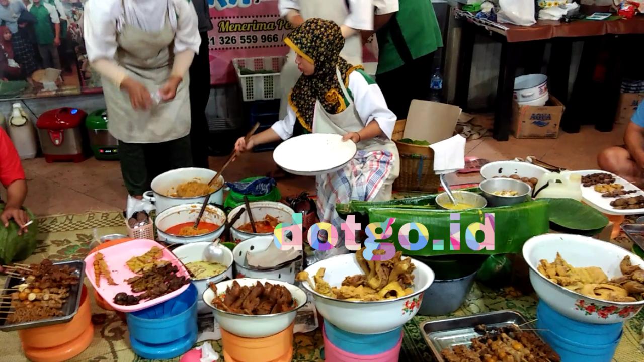 Kuliner Simpang Lima Semarang Nasi Ayam Bu Sami Pojok