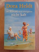 http://steffis-und-heikes-lesezauber.blogspot.de/2015/09/rezension-bei-hitze-ist-es-wenigstens.html