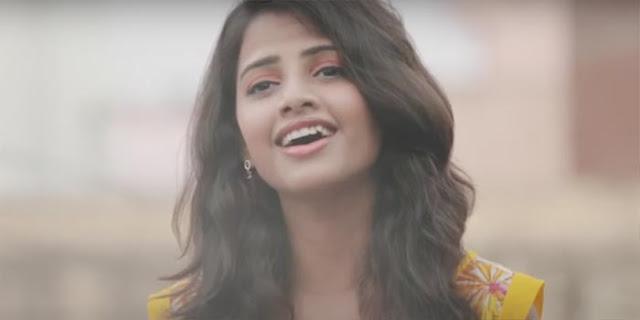 Kaun Tujhe Female Cover Song Lyrics by Ritu Agarwal