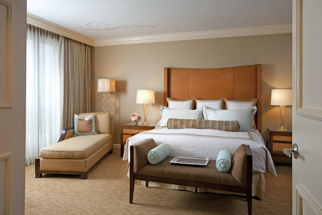 Luxury knows no bounds at The St. Regis Houston, a five-star hotel exuding boutique style and quiet sophistication.