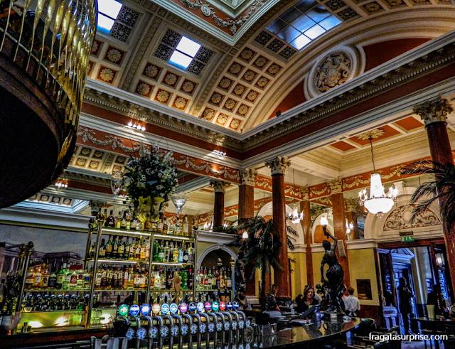 The Bank, pub de Dublin próximo ao Trinity College