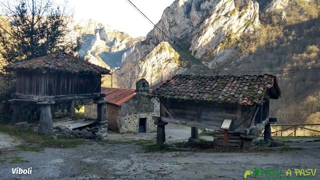 Hórreos beyuscos en Víboli, Ponga