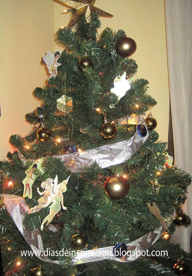 Ni Ef Bf Bdos Decorando El Arbol De Navidad