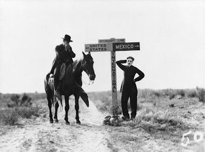 """Чарли Чаплин в фильме """"Пилигрим"""" (The Pilgrim) (1923) 3"""