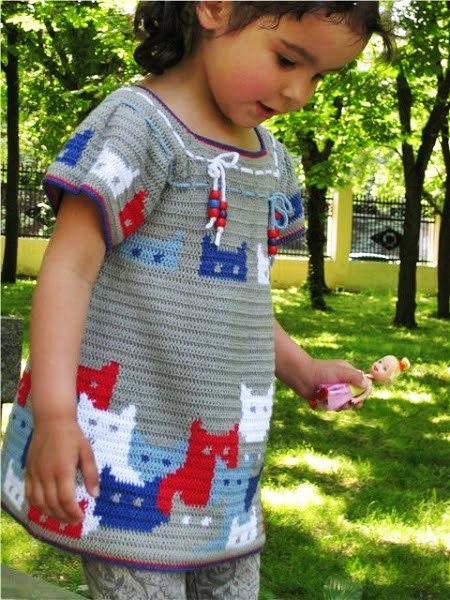 sukieneczka szydełkiem ze wzorem