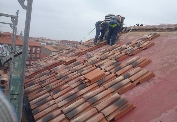 Materiales para tejados top tipos de tejas para los - Cubiertas para tejados ...