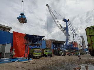 Pelabuhan Malahayati Layani Ekspor Tanah Pozzolan Ke Bangladesh