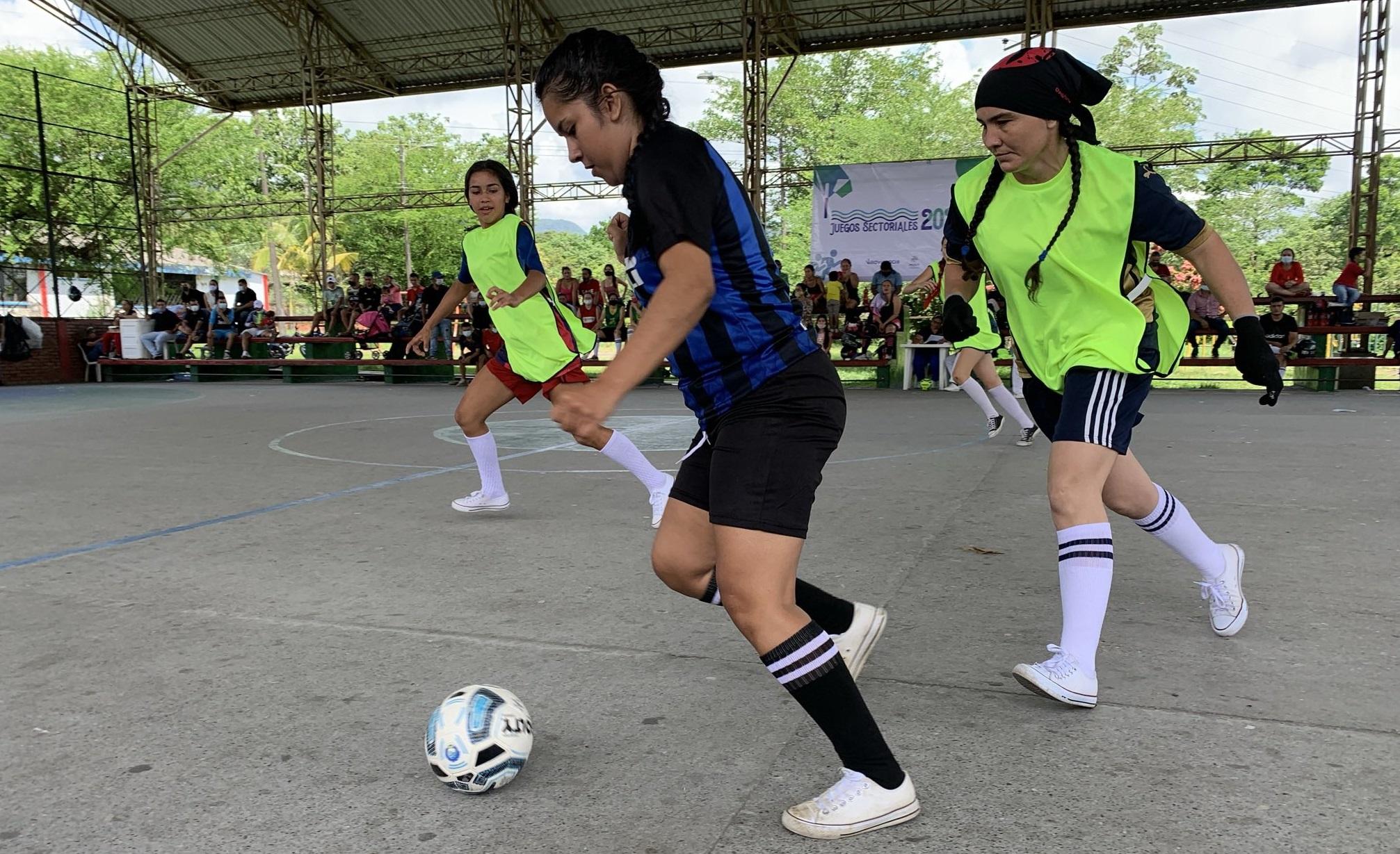Clubes deportivos de la ciudad tendrán acceso a escenarios deportivos
