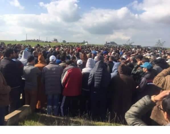 عامل الإقليم رفقة فعاليات سياسية و جمعوية و مواطنين يشيعون المرحوم سعيد طابي في موكب جنائزي مهيب