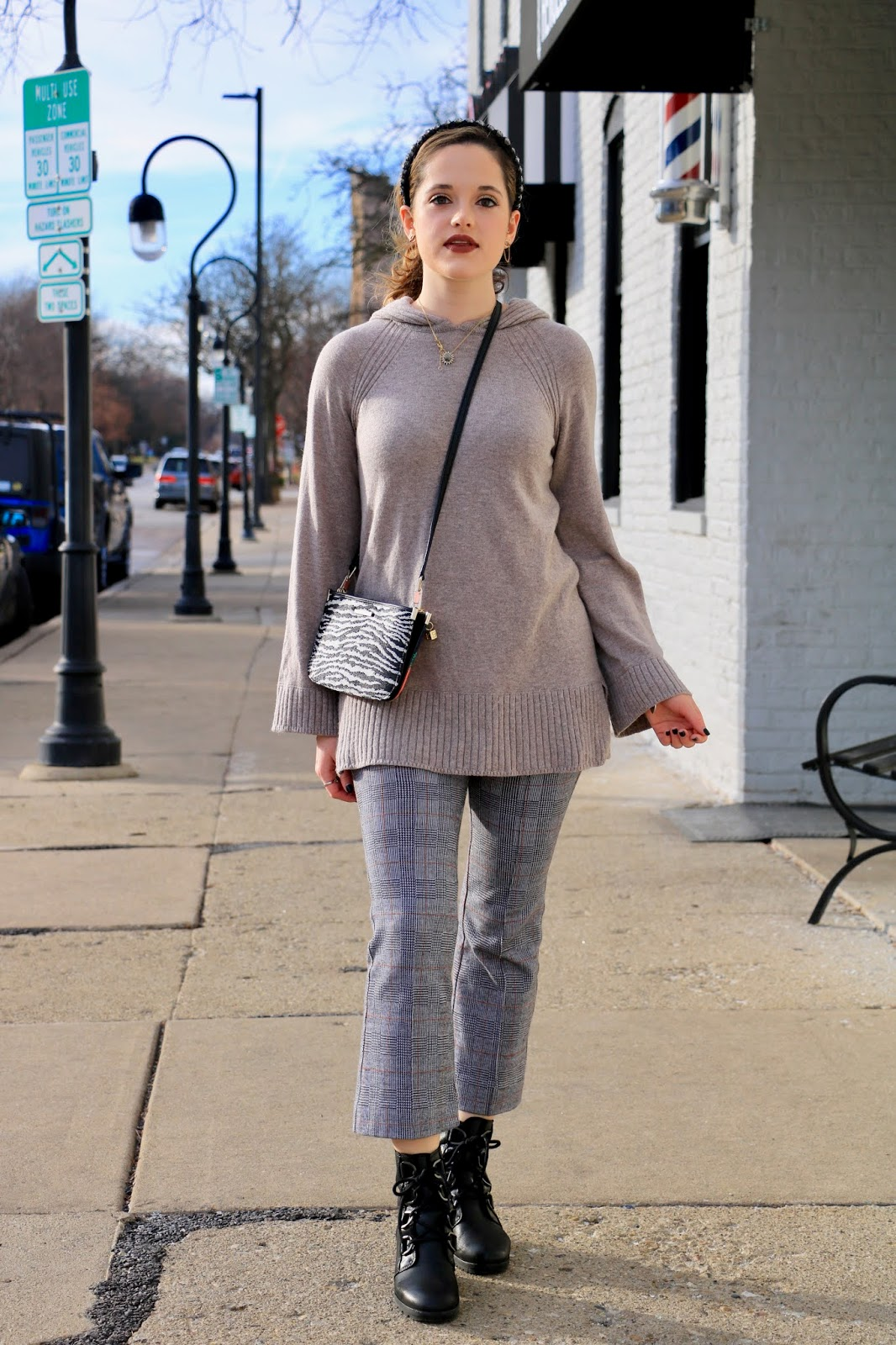 Nyc fashion blogger Kathleen Harper wearing a casual winter outfit.