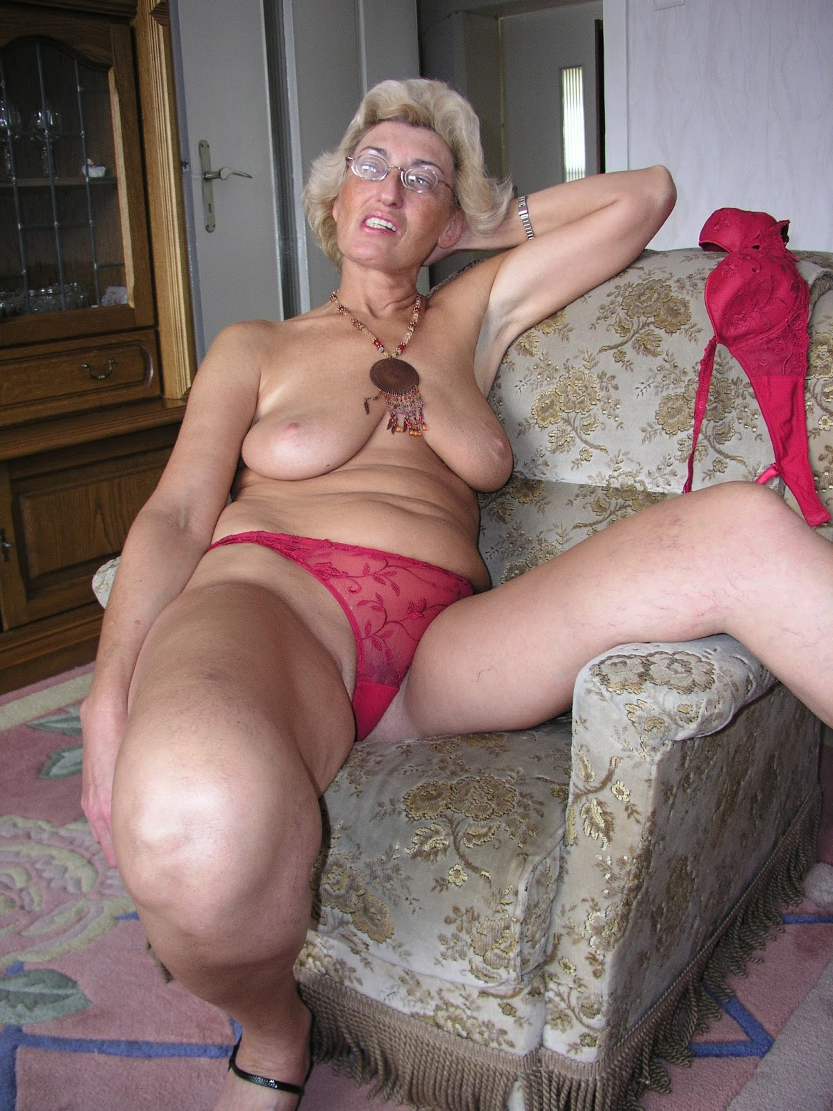 Free mature women picyures