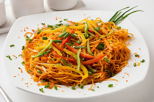 Veg Chowmein Recipe in Hindi