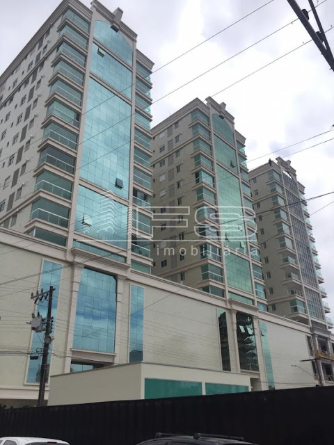 Apartamento  Três Suítes Centro Itapema SC