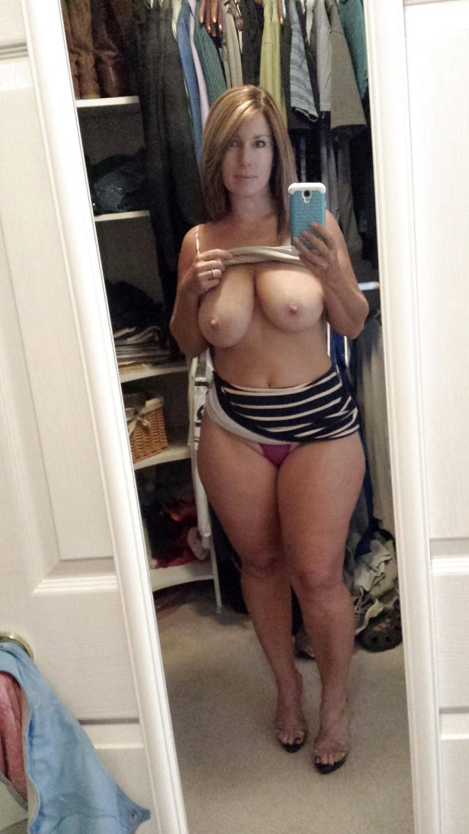 Hot milf mom photo collection