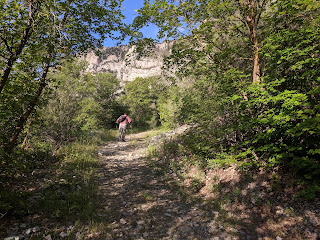 Trail off Bonneville Shoreline Trail  in Provo Canyon up to Waterfall