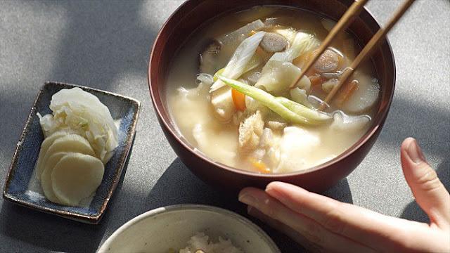 LITTLE FOREST WINTER & SPRING: Film Indah Tentang Filosofi Makanan di Wilayah Perdesaan Jepang