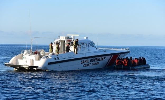 Οι Τούρκοι «μάζεψαν» παράνομους μετανάστες στην ελληνική περιοχή Έρευνας και Διάσωσης