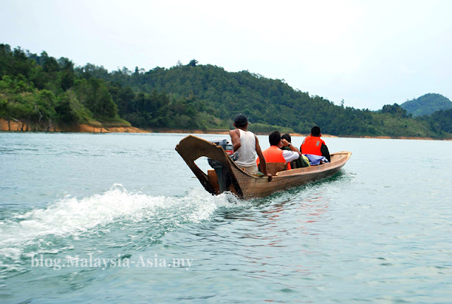 Longboat at Batang Ai Dam