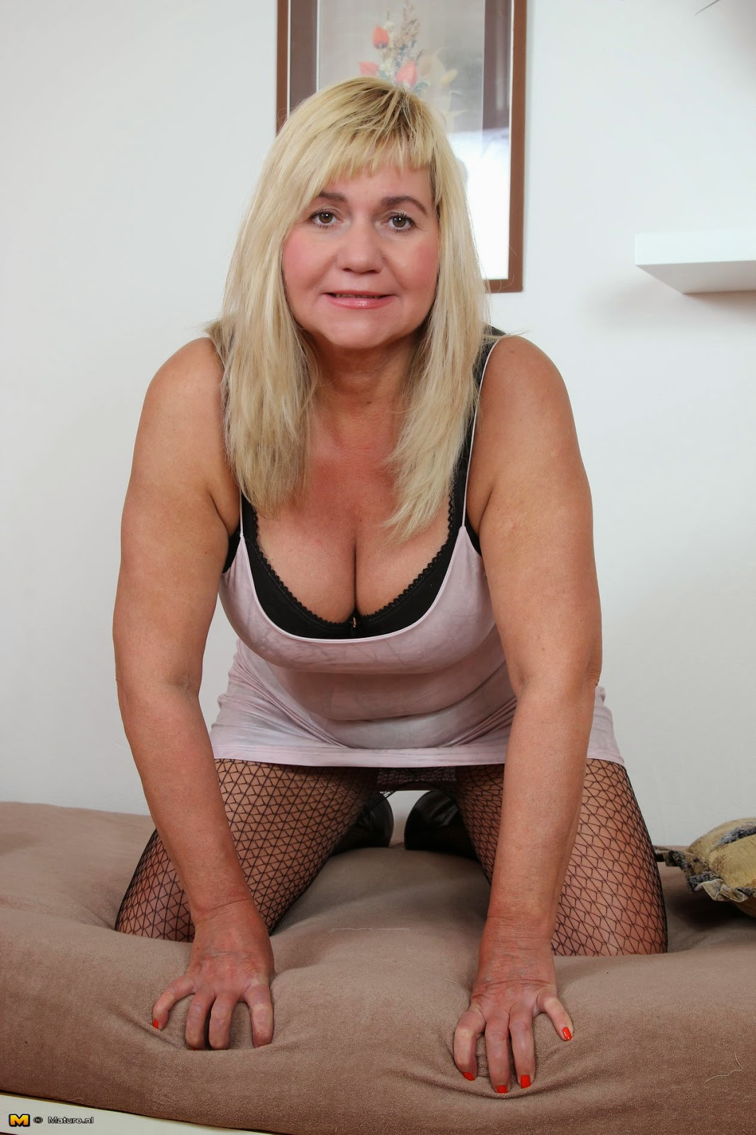 Mn Mature Pantyhose 28
