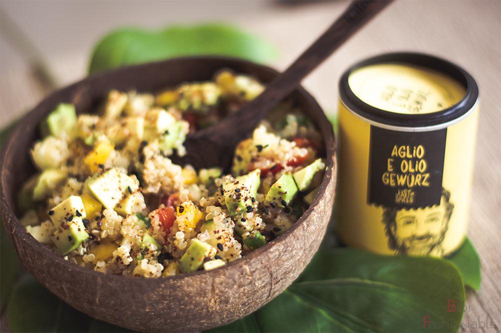 würziger-Quinoa-Salat-nah