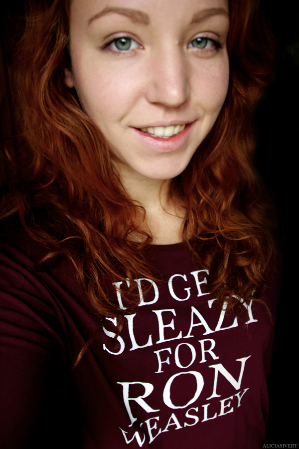 aliciasivert, alicia sivertsson, harry potter, hogwarts, gryffindor, ron weasley, t-shirt, i'd get sleazy for ron weasley, redhead, red hair, handicraft, handcraft, craft, pyssel, hantverk, handarbete, handmålad, tröja