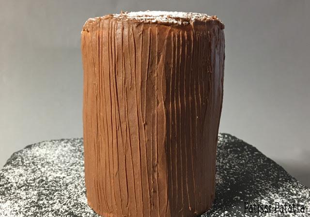 recette de bûche verticale, bûche nutella et chocolat, bûche au chocolat, comment faire une bûche verticale, bûche de Noël, pâtisserie maison, biscuit roulé, patissi-patatta